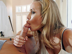 Nicole Aniston gives her lucky neighbor a free blowjob