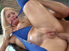 Anikka Albrite in a ripped leggings taking it balls deep in her ass