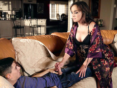 Cytherea decides to help Jordi with his erection