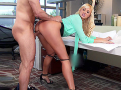 Sex hungry boss Summer Brielle has her co-worker fuck her after work