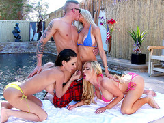 Emma Starr,Jessica Jaymes, and Nikki Benz sucking Richie by the pool
