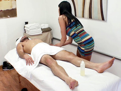 Asian Jayden Lee gives nice relaxing massage to Damon Rice