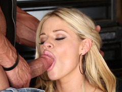 Slim blonde Jessa Rhodes takes a hunk's cock in her mouth