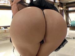 Franceska Jaimes makes her juicy ass hole ready for anal