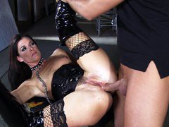 India Summer in a long leather boots enjoys deep anal penetration