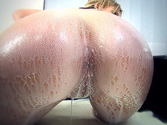 Nikki Sexx gets frothy milk splashing all over that big ass