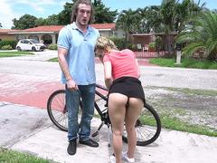 Blonde Aubrey Sinclair seduces her neighbour on the street