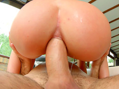 19 years old babe Anita Bellini impales her ass on his rod