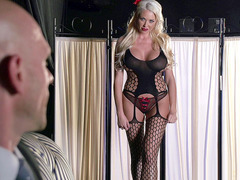 Summer Brielle in a jaw-dropping lingerie teasing her fucker