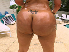 Sexy Latina Destiny shakes her big onion booty by the pool