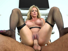 New busty MILF Raquel Sultra rides that juicy dick reverse cowgirl