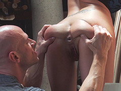 Eva Angelina gets her anal hole licked