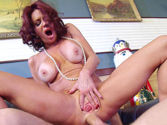 Veronica Avluv anal fucked by a fat wide rod