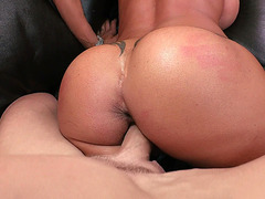 Big ass mom Jewels Jade gets pounded from behind