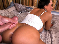 Lisa Ann take that load all over her ass and back