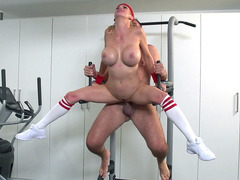 Big breasted blonde MILf Alexis Fawx gets fucked in the air